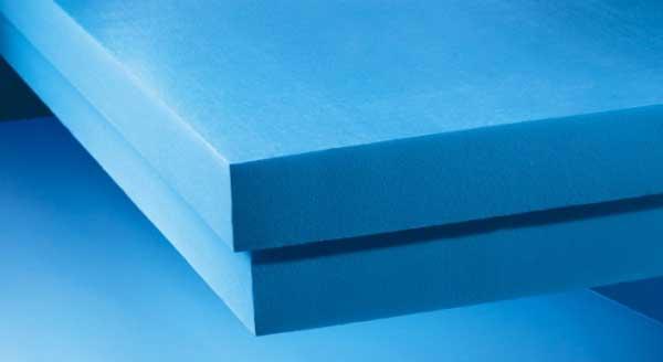 Blauwe XPS isolatieplaten aanbrengen
